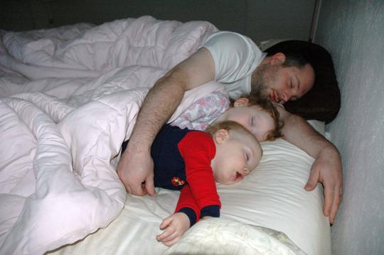 sleeping_family_16dec2007.jpg