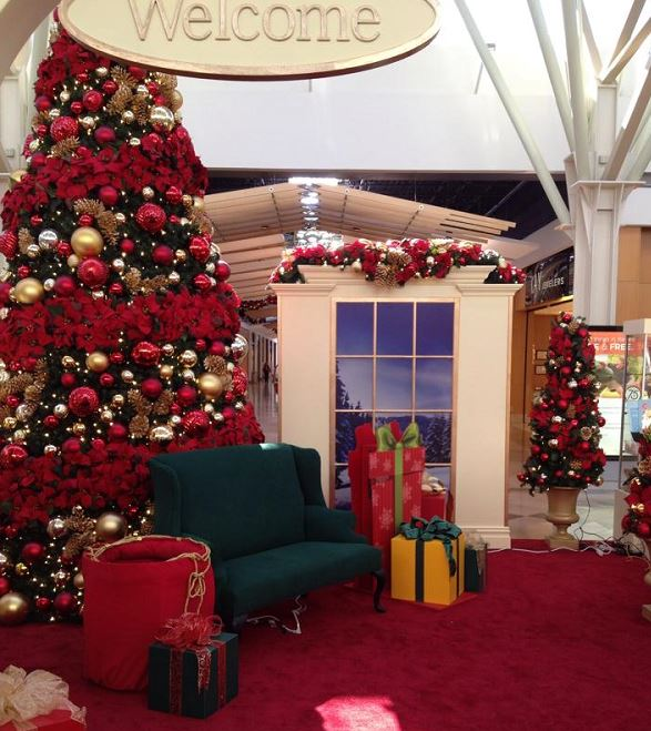 nwa mall, santa's house cropped