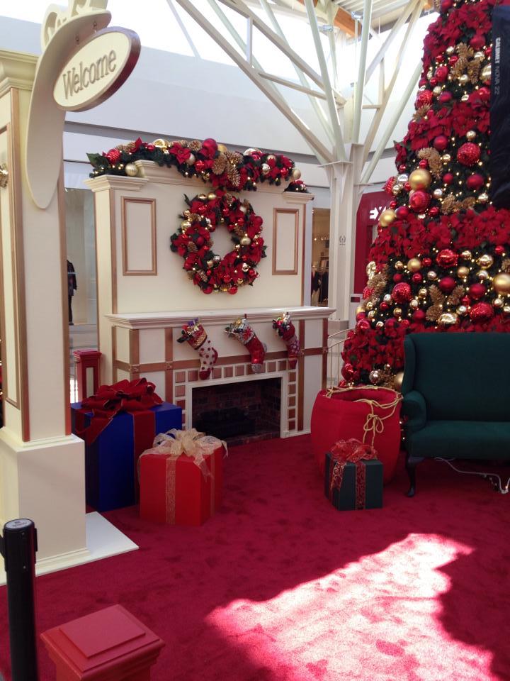 nwa mall, santa's house