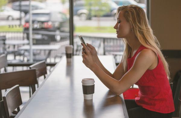 smartphone woman600