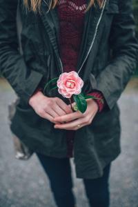 woman flower200