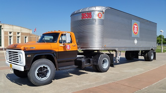jones-center-truck-resized