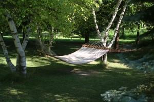 hammock-385600_640-2