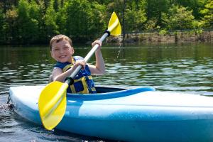 kid canoe 300