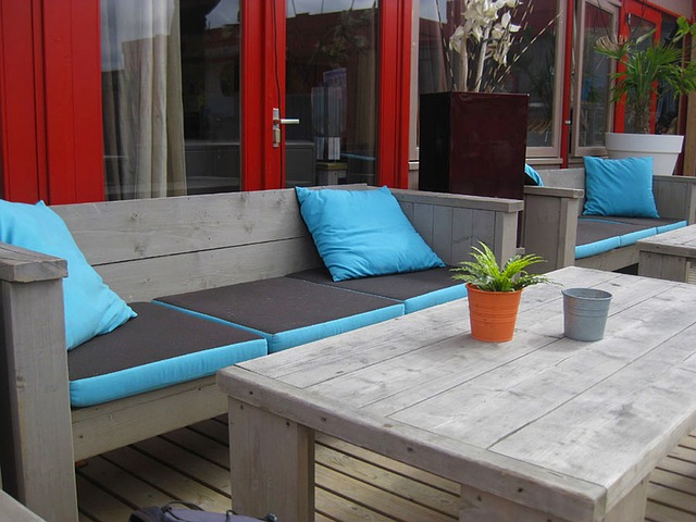 seating-area-in-holland-249691_640 (2)