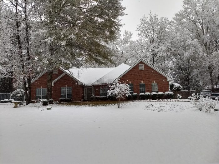 house in the Southern Mississippi snow